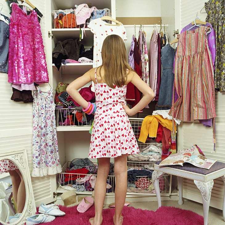So kehrt Ordnung in deinen Kleiderschrank ein!