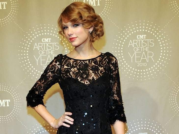 """Voll die Klette - Die Ex-Boys von Taylor SwiftMit Schauspieler Lucas Till(22), der in ihrem Musikvideo zu """"You Belong With Me"""" zu sehen ist, verbrachte sie eine kurze Zeit im Jahr 2009, bevor sie entschied, dass er wohl doch nicht"""