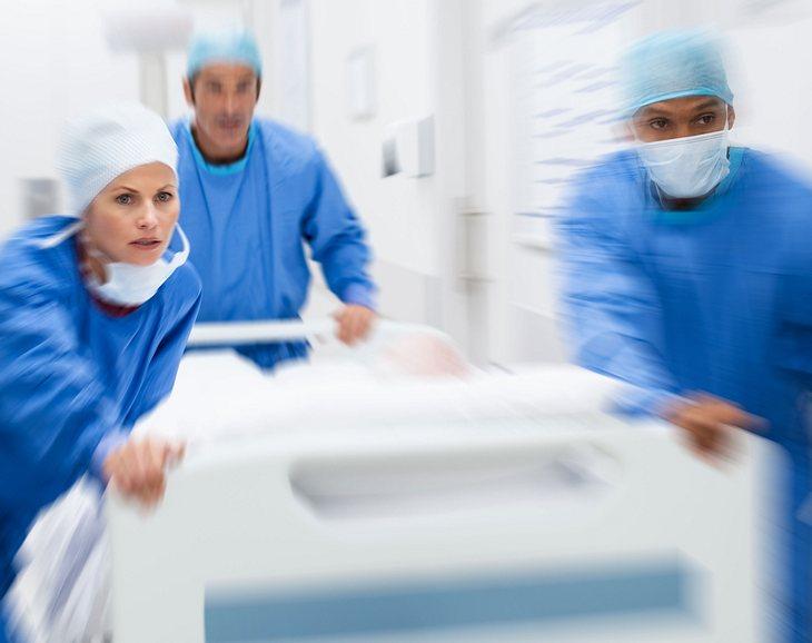 Deutsche Ärzte entfernen 10-Kilo-Tumor