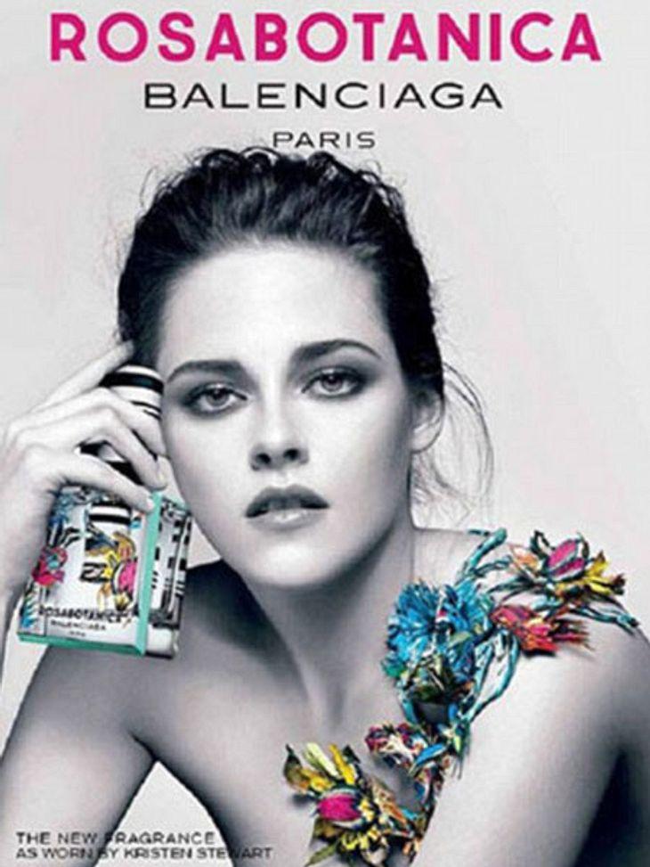Kristen Stewart zeigt sich für Balenciaga sehr verführerisch...