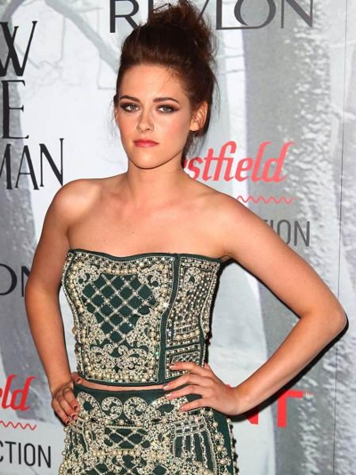 """Vom Kinderstar zum Sex-SymbolWeltruhm erlangte Kristen Stewart (22) dagegen als """"Bella Swan"""" in der Vampir-Saga """"Twilight"""". Heute gilt sie als bestverdienende Schauspielerin Hollywoods."""