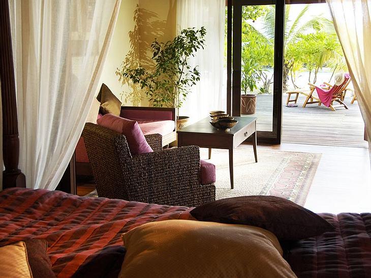"""Luxus-Hotels: Hier steigen die Stars abDas Nonplusultra für den Hotelgast: die """"Royal Kurumba Residence"""", eine Suite mit zwei Pools, einem riesigen Wohnzimmer und einer Veranda, die direkt auf den Strand hinausgeht."""