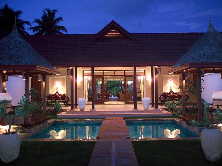 """Luxus-Hotels: Hier steigen die Stars abWer dieses """"Royal Kurumba""""-Heim mit privatem Zugang, zwei Pools und jeder Menge Luxus beziehen will, muss allerdings 1.500 Euro pro Nacht hinblättern - mindestens!"""