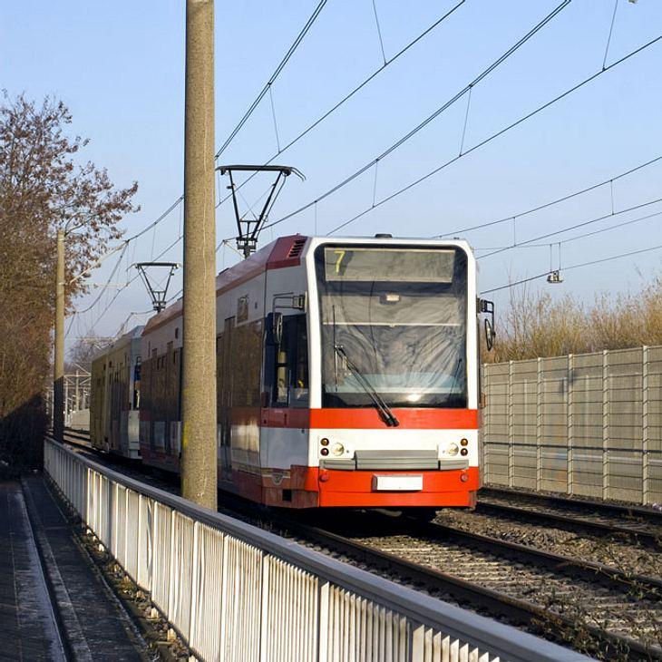 Brutale Attacke: Straßenbahn-Fahrer in Köln angegriffen!
