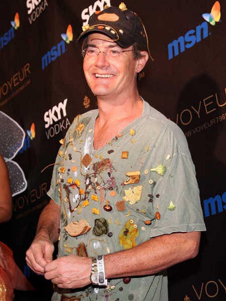 So feiern die Stars HalloweenKyle Maclachlan ist jedes Jahr sehr kreativ bei seinen Kostümen. Ob als unfallgeschädigter Golfspieler oder als braungebrannter Schönling, seine Kostüme kommen immer gut an. Letztes Jahr verstand man sein Kostüm