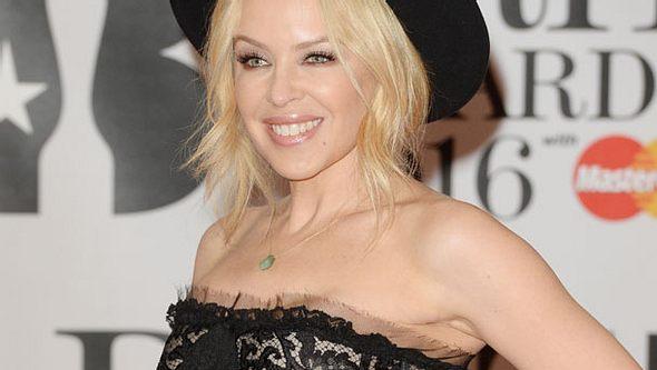 Kylie Minogue schockt mit Dauerwellen-Desaster