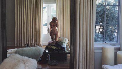 Kylie Jenner lässt die Hüllen fallen - Foto: Instagram/ kyliejenner