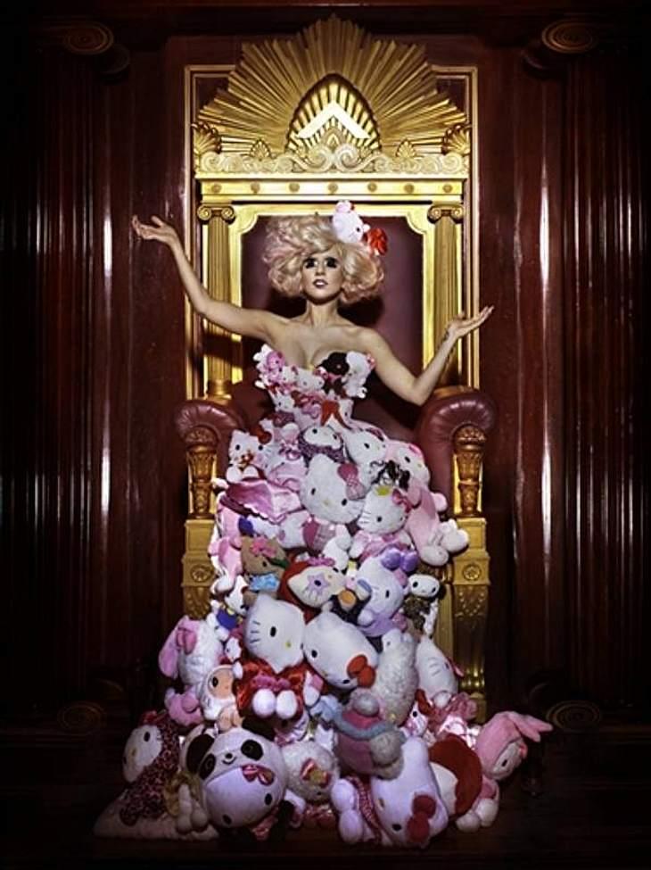 Popdivas: Lady Gaga und Katy PerryEin Kleid aus tausend Hello Kittys.