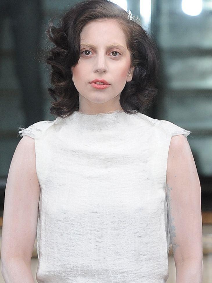 Lady Gaga tritt im Weltall auf