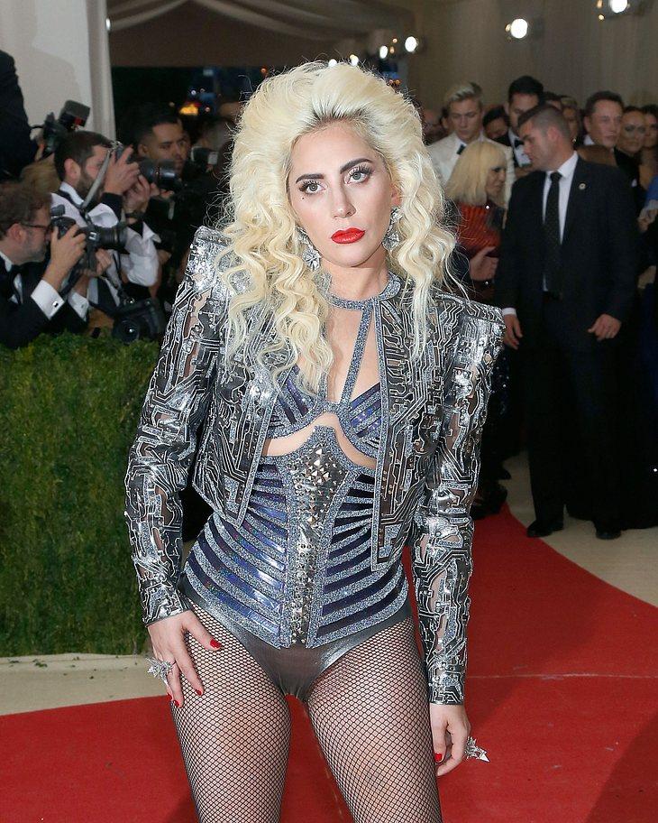 Lady Gaga gerät als Fahranfängerin direkt in eine Polizeikontrolle