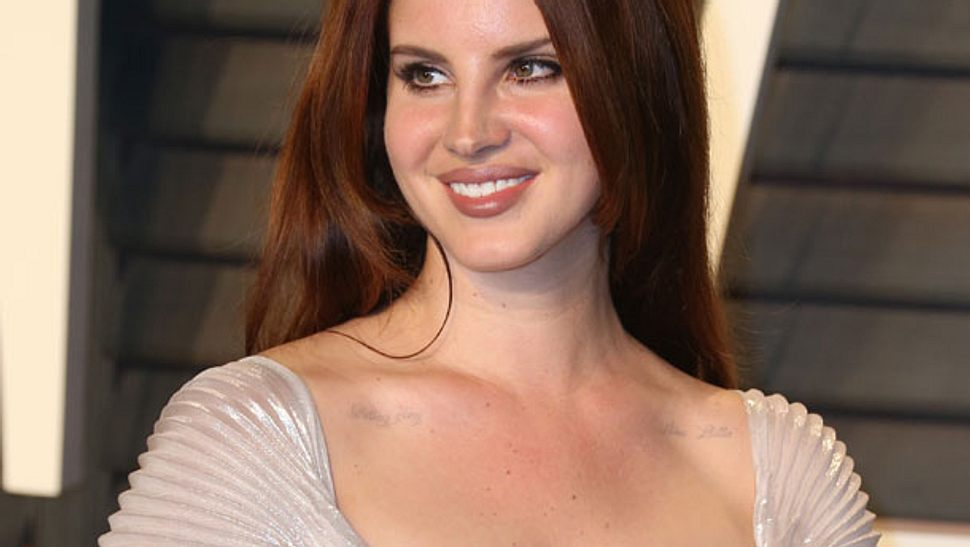 Lana Del Rey ist jetzt blond - Foto: WENN