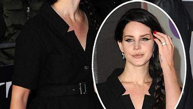 Verlobt? Lana Del Rey trägt einen auffälligen Ring - Foto: GettyImages