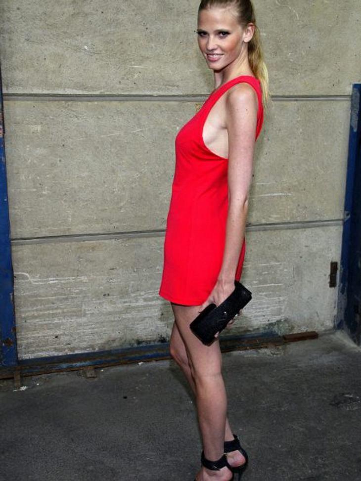 Stars: Vorher-NachherFRÜHER - Topmodels müssen gtenerell dünn sein. Das weiß auch Lara Stone (28). Doch manchmal ist das nicht so einfach.
