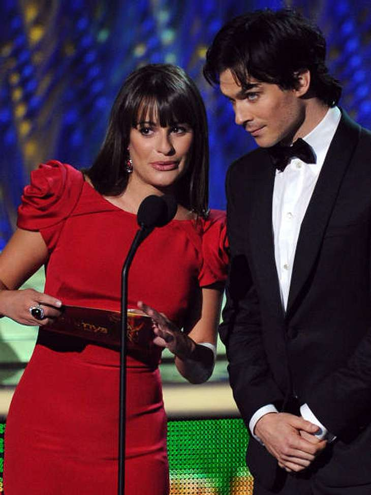 Die Emmy Awards 2011 - Die HighlightsZu den Laudatoren bei den Emmy Awards 2011 gehörten auch Lea Michele und Ian Somerhalder.