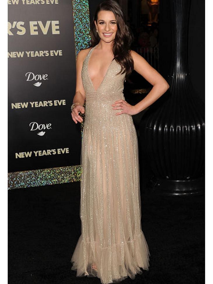 """Die heißen Partykleider der Stars""""Glee""""-Star Lea Michele setzt auf Dekolleté. Der Glitzertüll tut sein Übriges.,Musthaves für das Silvester-Make-up >>"""