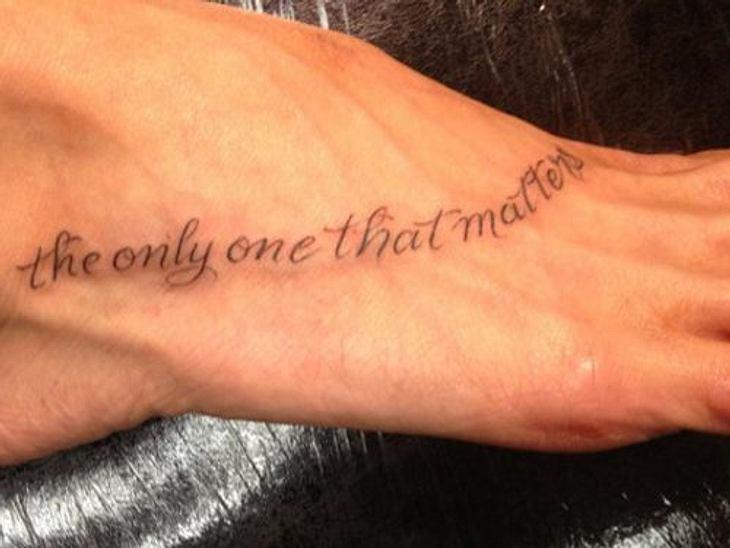 """Die Tattoos der Stars""""The Only One That Matters"""" (Das einzige, was zählt). Wer wohl so tiefgründig ist?"""