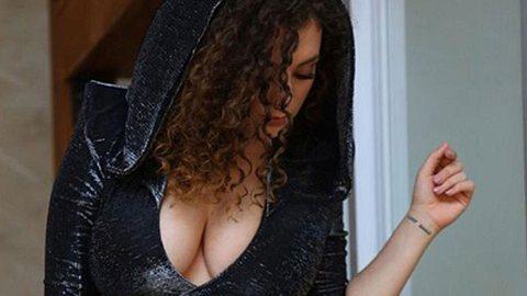 Leila Lowfire : Sexy im Fetisch-Fummel! - Foto: Getty Images