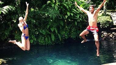 Lena Gercke und Sami Khedira plantschen auf Bali - Foto: instagram.com/sami_khedira6