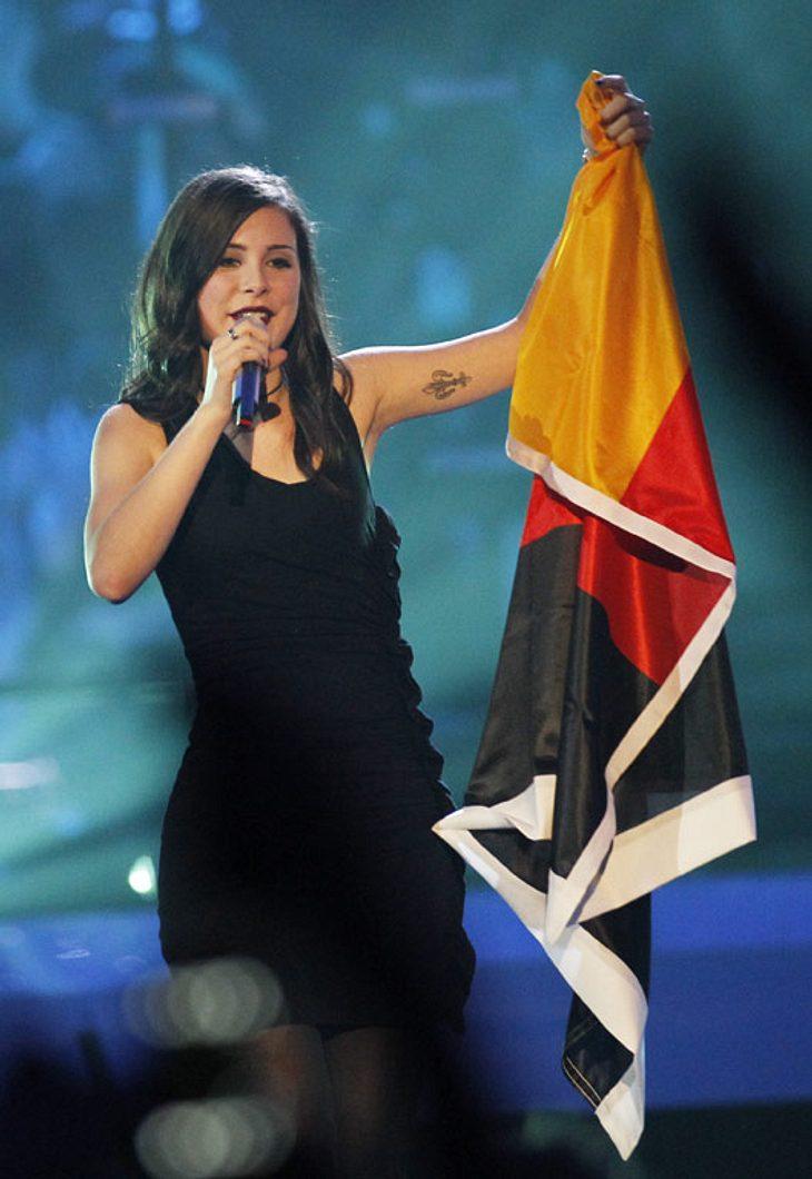 """,Lena Meyer-Landrut  singt zum Abschluß des Eurovision Song Contest 2010 noch mal ihren Song """"Satellite""""."""