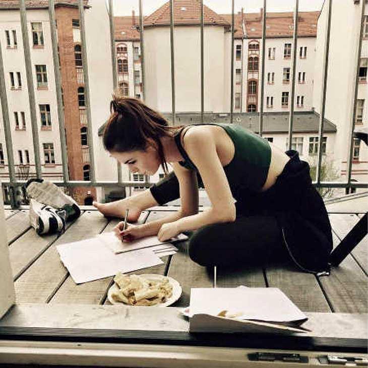 Lena Meyer-Landrut: Handgeschriebene Lyrics für ihre Fans