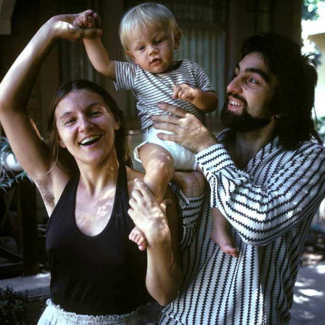 Leonardo DiCaprio: Zuckersüßes Baby-Foto mit seinen Hippie-Eltern!