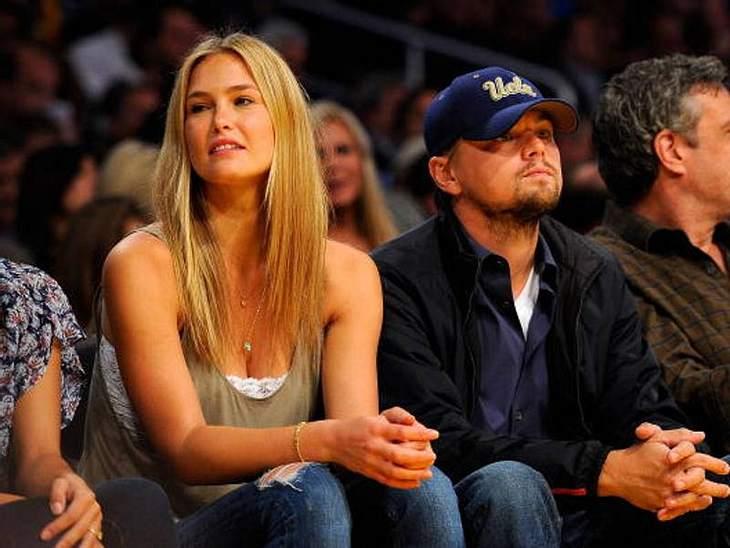 Aufgewärmte Liebe: Berühmte Paare und ihre On-Off-BeziehungenFünf Jahre lang waren Leonardo DiCaprio (38) und Bar Refaeli (27) zusammen. Dann wieder getrennt. Dann wieder zusammen. Und wieder getrennt. 2011 trennten sie sich und beließen es
