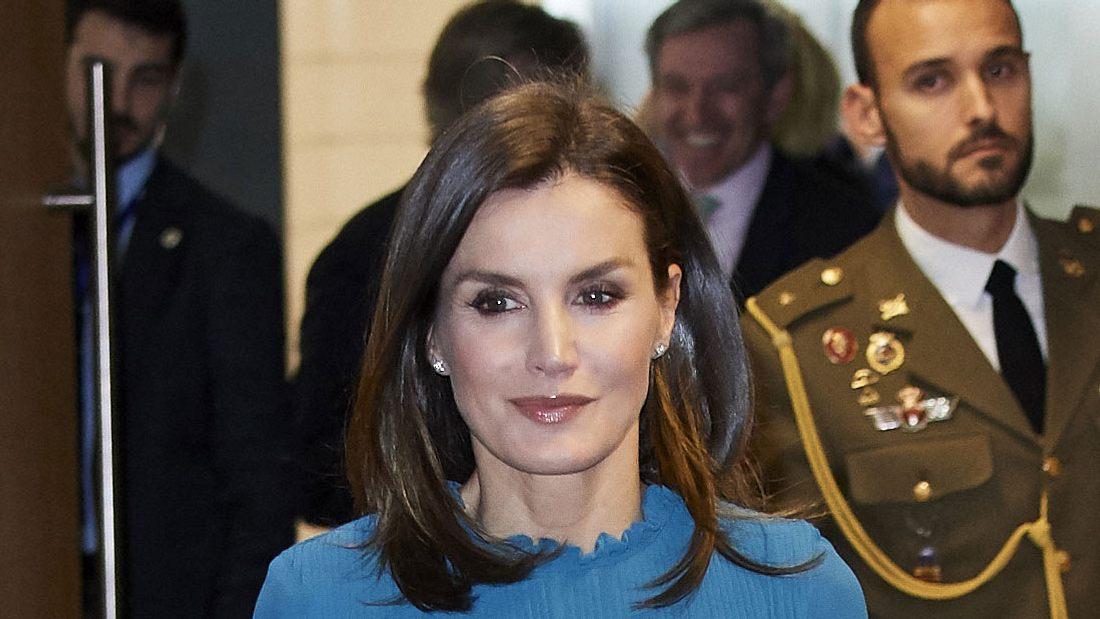 Königin Letizia: In diesem 11 Euro Look zieht sie alle Blicke auf sich!