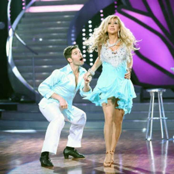 Let's Dance 2014: Carmen Geiss steht der Busen im Weg!