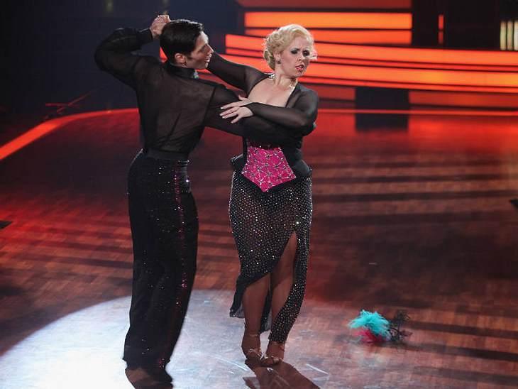 """""""Let's Dance"""" macht schlankKaum hatte sie bei der Tanzshow losgelegt, purzelten die Pfunde. Insgesamt hat sie neun Kilo abgenommen - ein tolles Ergebnis. Maite Kelly ermutigte viele Frauen, sich auch mit Kurven sexy zu fühlen."""