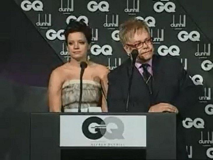 """Beim """" GQ Men of the Year Award 2008"""" drohte Elton John Sängerin Lily Allen: """"Ich könnte dich immer noch unter den Tisch koksen."""""""