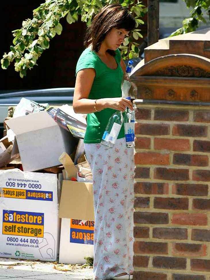 ... oder sie recyceln Flaschen wie  Lily Allen.