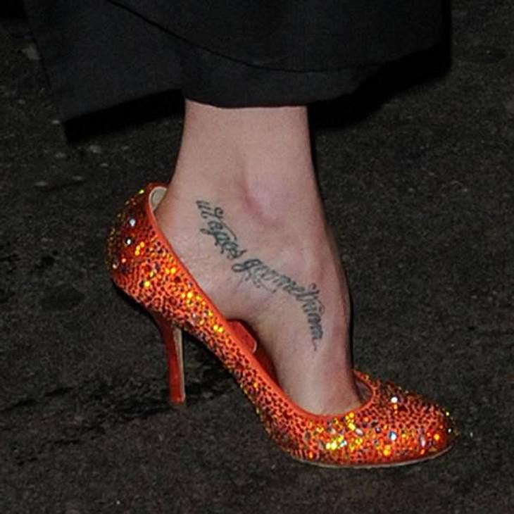 Tattoos: Diese Star-Bilder gehen unter die HautWelche Schauspielerin steht hier besonders auf die lateinische Sprache?