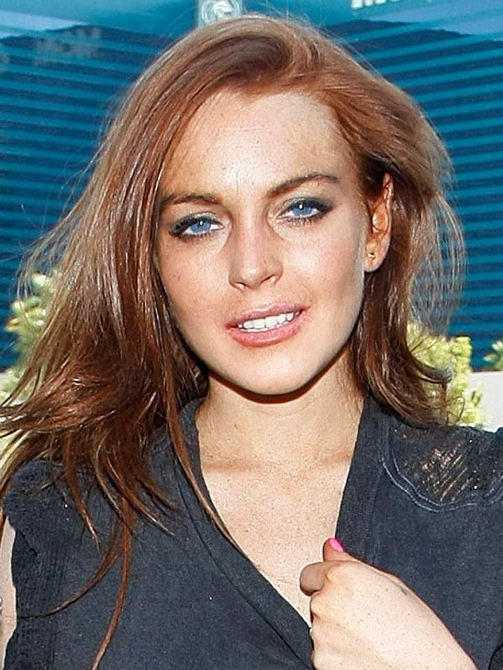 """""""Ich liebe es, Party zu machen"""", gibt Lindsay Lohan zu. In Clubs stört das niemanden, doch neuerdings verwandelt die Schauspielerin auch ihr Zuhause immer öfter zur Dance-Location"""