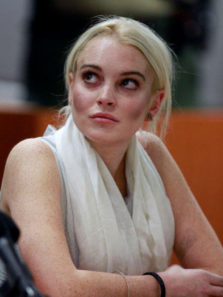 Die Psycho-Krisen der StarsGefühlt verbringt Lindsay Lohan (26) derzeit mehr Zeit vor Gericht oder in Entzugskliniken als sonst irgendwo. Aber die Schauspielerin sieht anscheinend immer noch nicht so richtig ein, dass sie ein ernstes Proble