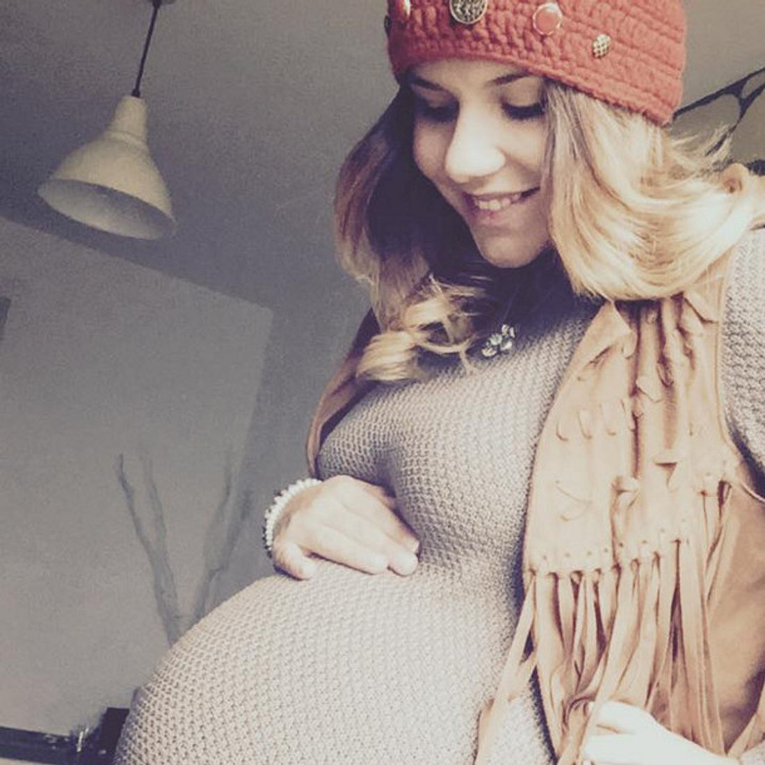 Lisa Wohlgemuth ist schön schwanger
