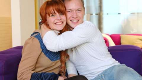 Lisa Wohlgemut und Erwin Kintop wurden im Bett erwischt - Foto: RTL / Stefan Gregorowius