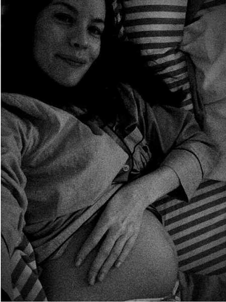 Liv Tyler zeigt ihren Baby-Bauch