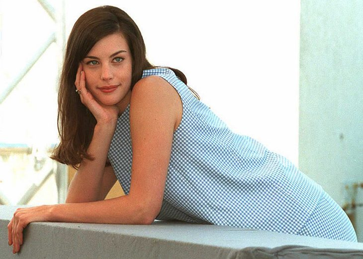 Liv Tyler wurde 1977 in New York als älteste Tochter von dem ehemaligen Model und Playmate Bebe Buell geboren.