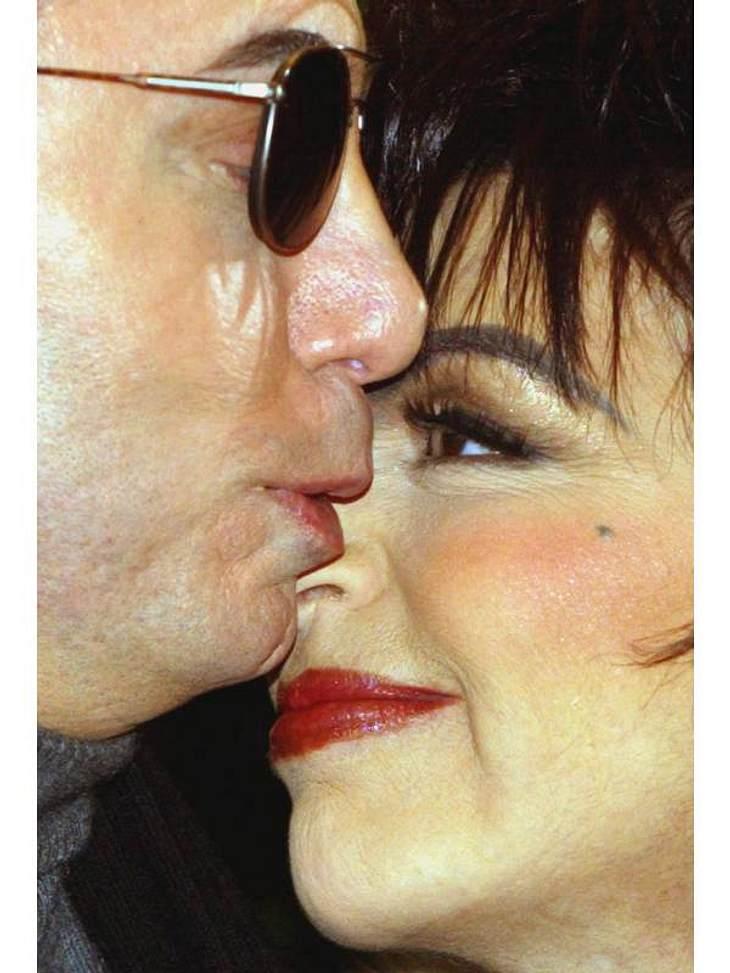 Am meisten ließen diese zwei aber für ihre Hochzeit über die Tisch gehen: Über drei Millionen Dollar gaben sie aus, um den wirklich schönsten Tag ihres Lebens zu haben. Und diese Investition schien auch angemessen gewesen zu sein: Liza Minn