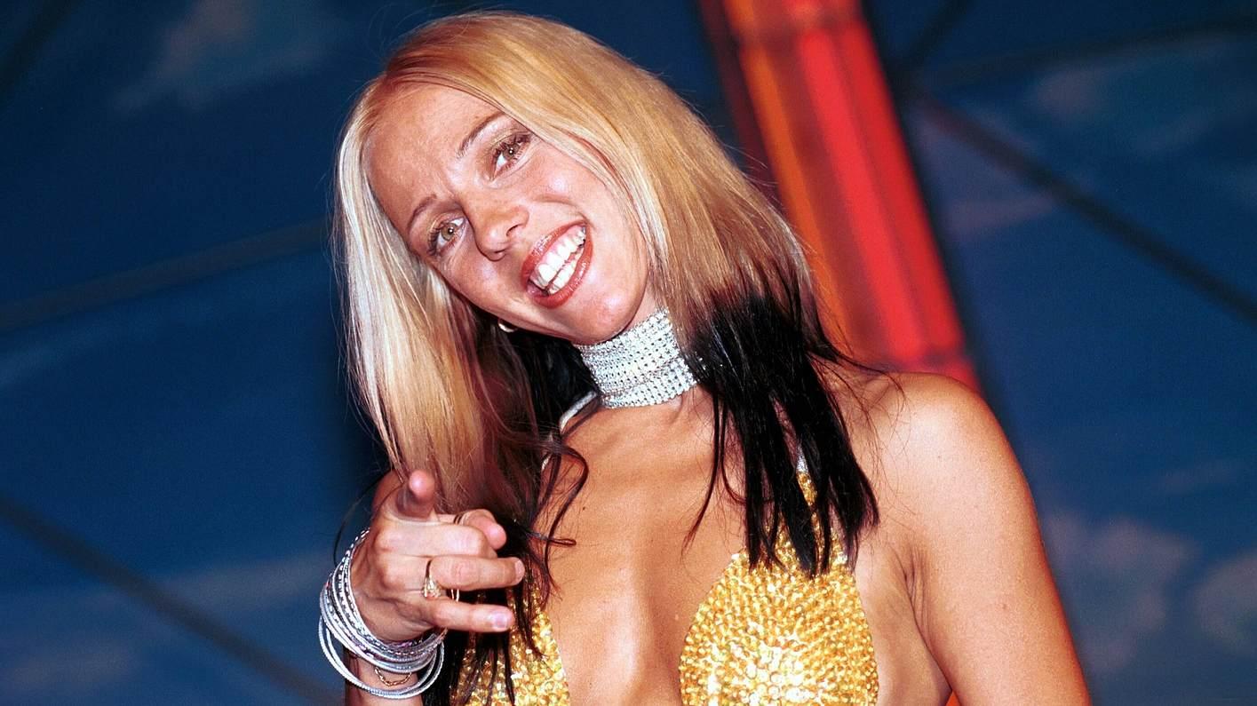 Loona singt 1998 Bailando