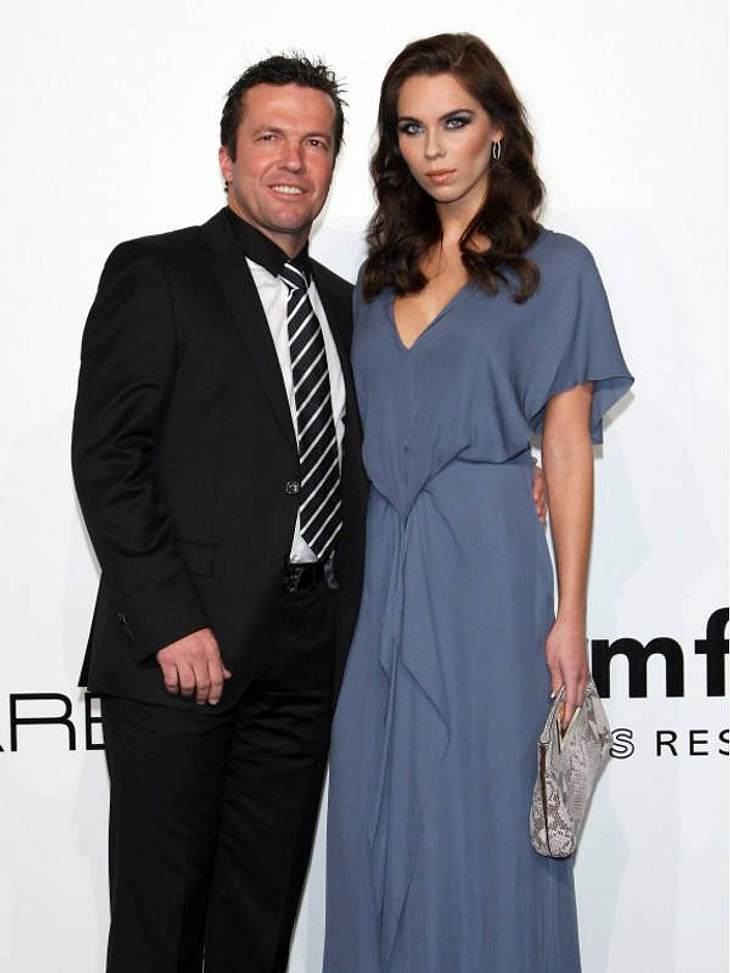 Prominente Paare mit großem AltersunterschiedBei Liliana (24) und Lothar Matthäus (50) gabs nur Zoff, zum Schluss kam die Scheidung.Ups, wie peinlich sind diese Stars