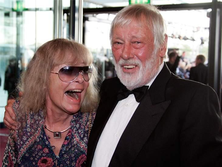 Die wundervolle Liebe von Vivi Bach und Dietmar SchönherrVivi Bach (†73) und Dietmar Schönherr (86) haben sich geliebt, bis der Tod sie schied. Doch auch nach dem Tod von Vivi Bach am 22. April 2013 wird es niemanden geben, der ihren Platz