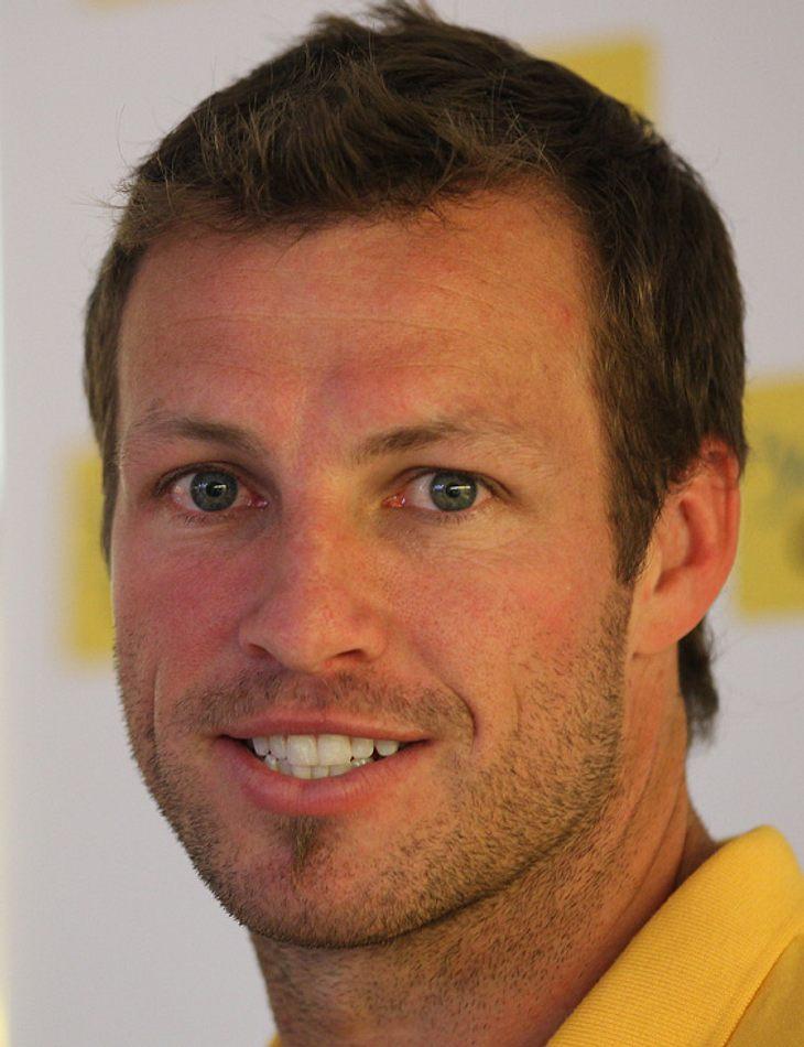 Australien:  Seit seit 2007 ist Lucas Neill (* 9. März 1978 in Sydney) Kapitän des australischen Fußballnationalteam.