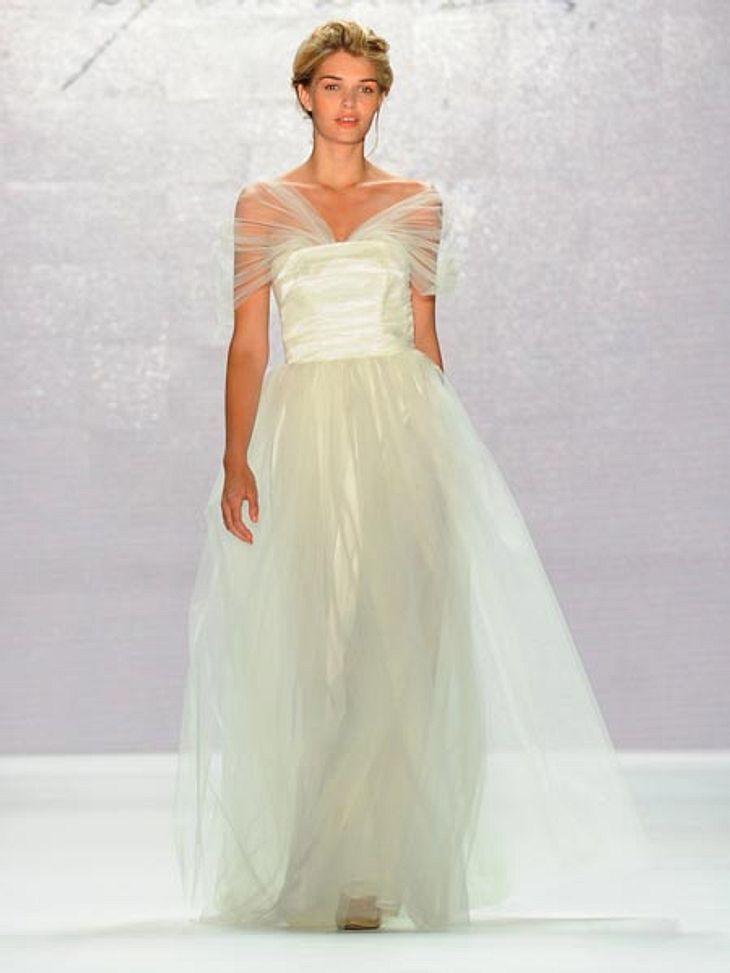 Luisa Hartema präsentierte auf der Fashion Week ein Brautkleid