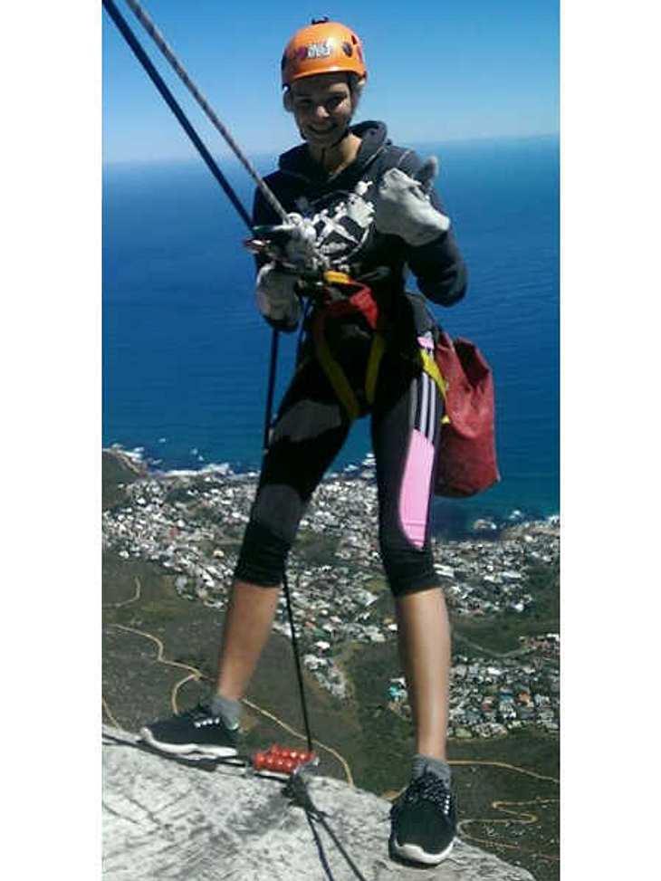 Luisa Hartema auf dem Tafelberg in Südafrika.