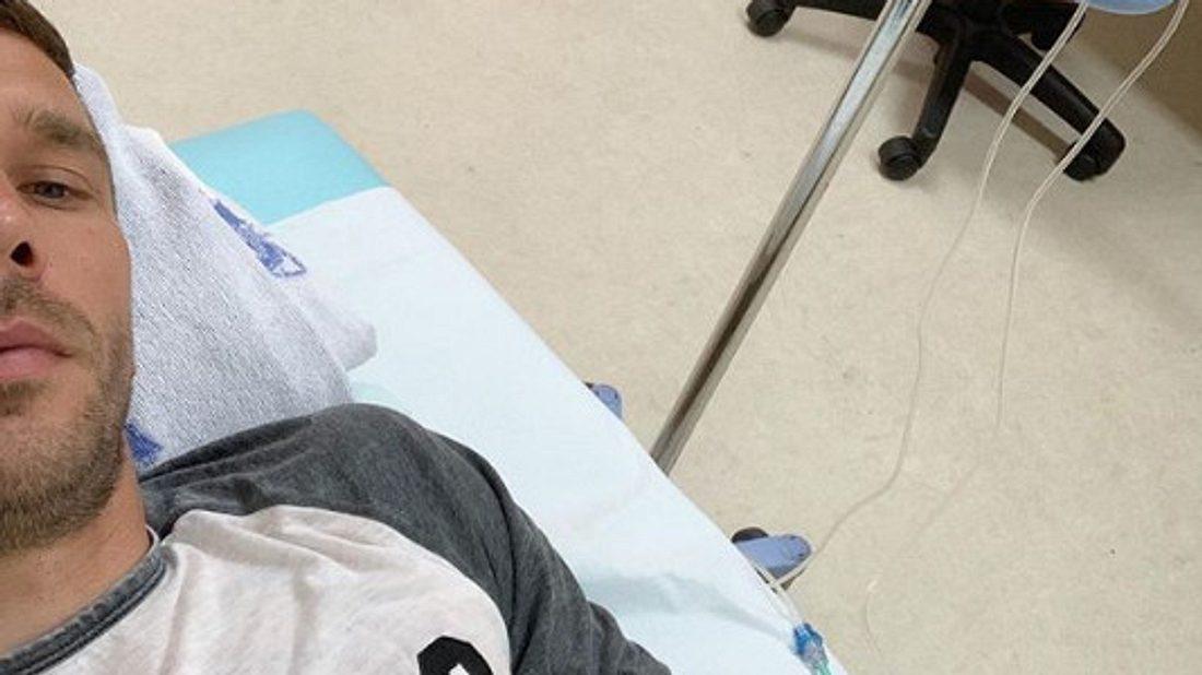 Lukas Podolski musste im Krankenhaus behandelt werden