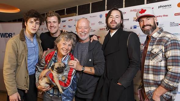 Luke Mockridge mit Geschwistern und Eltern - Foto: Imago