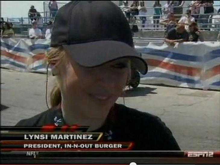 Lynsi Torres bei einem Motorsport-Event.