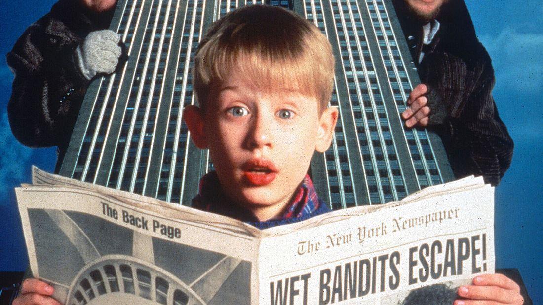 In Kevin - Allein zu Haus spielt Macaulay Culkin den Kevin McCallister