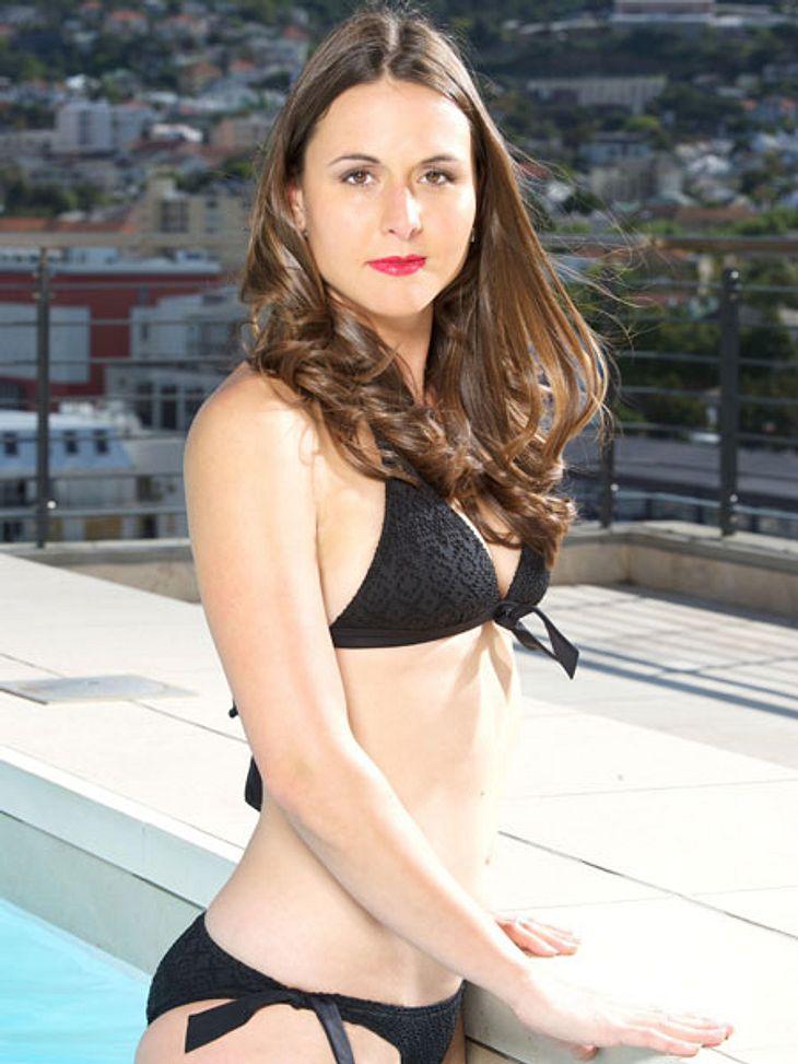 """""""Bachelor 2013"""": Bikini-Rätsel der Kandidatinnen - Wer ist das Playmate?Rote Lippen sind zum Küssen da. Ob Madeleine den Bachelor von ihren Reizen überzeugen kann?"""